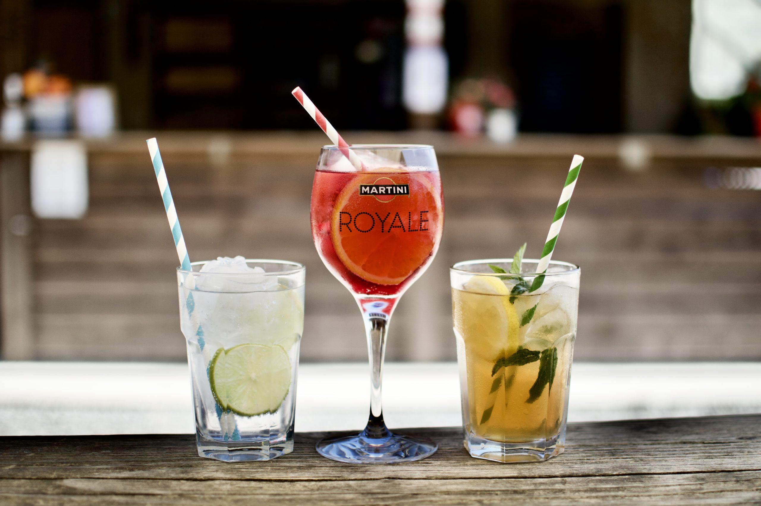 Predstavujeme Vám ponuku našich letných drinkov .